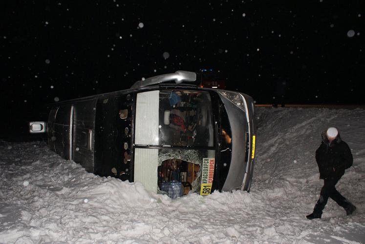 В челябинской области произошло крупное дтп: большегруз столкнулся с тремя легковыми автомобилями
