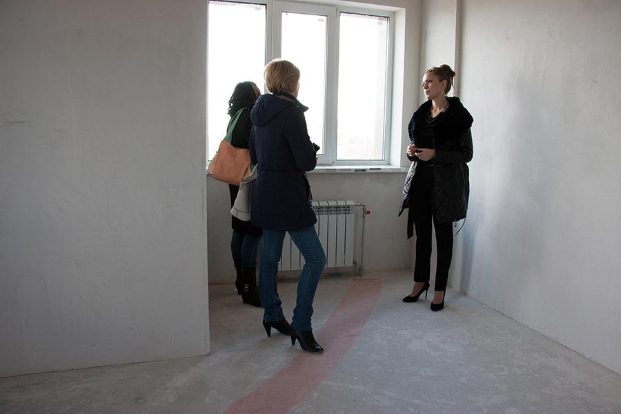 Действуют программы для покупателей: cтроящиеся квартиры можно  приобрести в рассрочку  до конца строительства или оформить беспроцентную рассрочку на 6 месяцев от застройщика.