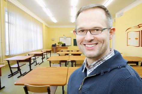 Каждой школе — по парте: опыт мебельщика по работе с госзаказами