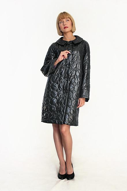 Пальто из стеганой плащевки на синтепоне.  Легкое и удобное, оно отлично...