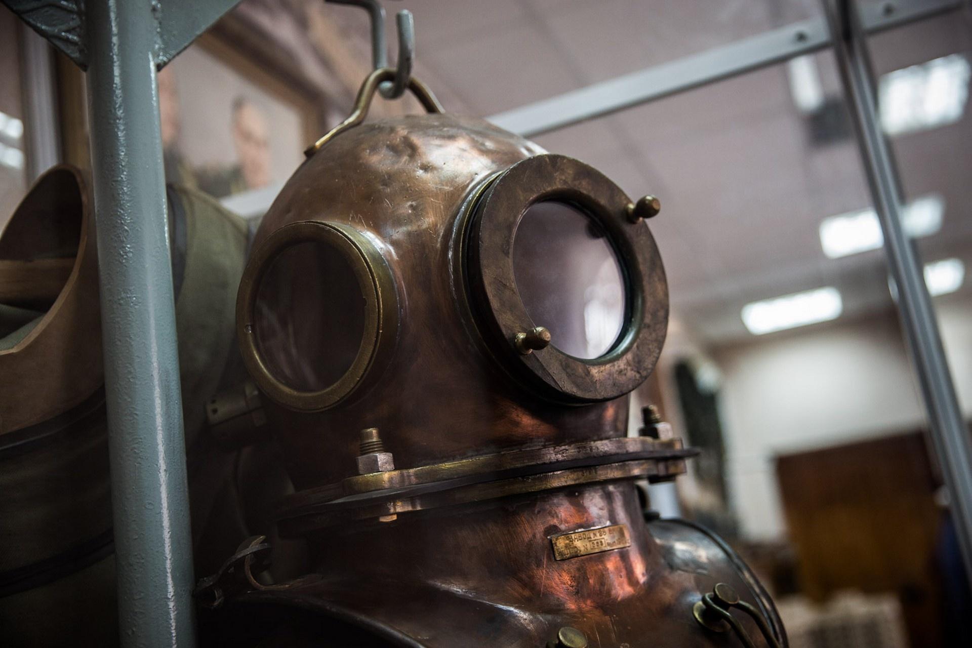 Снаряжение Анатолия Коновалова в Музее истории Советского района