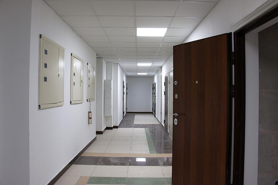 К концу апреля в пятой секции комплекса откроется демонстрационный этаж. Сдача дома назначена на  IV кв.  2015 года. Готовность дома —  85% . Ведется предварительная  запись на экскурсию .