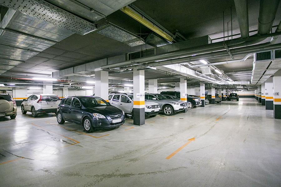 автопаоковка в подвале здания является проезжей частью квартир новостройках