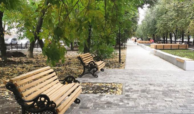 Юрий Шалабаев готов «наказать рублем» подрядчика, благоустраивавшего сквер на Звездинке