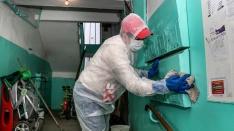«Подъезд даже метлы месяц не видел»: читатели пожаловались NN.RU на отсутствие дезинфекции в домах