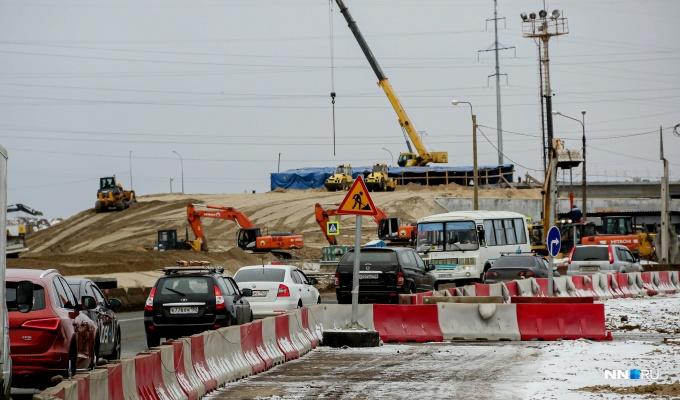 Автомобилисты снова встали в многокилометровую пробку в Ольгино