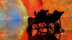 Разноцветная лужа бензина. В ЦЕХе* открылась инсталляция, реагирующая на движения