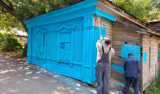 Хромакей или новая работа Синего Карандаша? В Нижнем Новгороде новый домик-мем