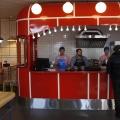 Бургерная работает по принципу самообслуживания