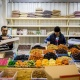 Дворец-огурец: на правом берегу открылся огромный конкурент Хилокского рынка