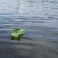 Достать мужчину из воды спасателей попросили полицейские