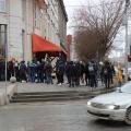 Днём перед баром Guevara выстроилась многометровая очередь поклонников рэпера из Уфы Алишера Моргенштерна