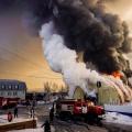 На улице Шорная, 1 загорелось складское здание