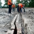 На мост будут завозить бетон и заливать его на участке над Абаканской протокой