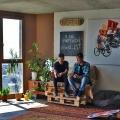 Пентхаус-коммуналка: репортаж из секретного убежища сибирских художников