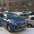 «Я паркуюсь как чудак»:Lexus LX — стоять, прохода нет