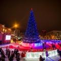 Салют можно будет посмотреть из новогоднего городка на площади Ленина