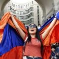 Мирное свержение действующей власти стало праздником для армян