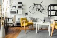 Крепим к потолку: где хранить велосипед в квартире