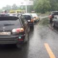 «Перед площадью Энергетиков со стороны моста Димитрова на светофоре собрался паровозик из трёх машин», — рассказывают в службе аварийных комиссаров «Альянс»