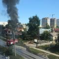 У частного дома в Октябрьском районе загорелась крыша