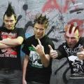 Лидер панк-группы «Беz Фанатиzма»Александр Иванский (крайний справа) не планировал снимать видео: всё произошло случайно