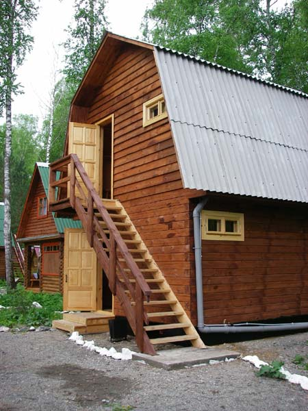 Двухэтажный коттедж. Фото: www.turistka.ru