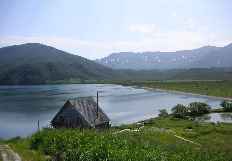 Кордон «мыс Травяной» на озере. Фото: Елена Шарова  http://www.guidekamchatka.ru