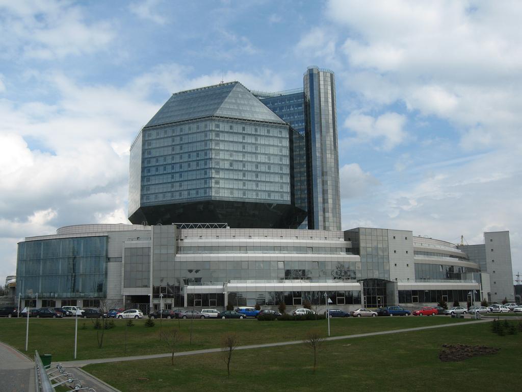 Здание Национальной Библиотеки Республики Беларусь. Фото:  Grigory Gusev