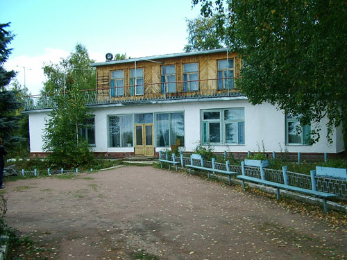 Двухэтажный корпус. Фото: www.karbisheva.ru