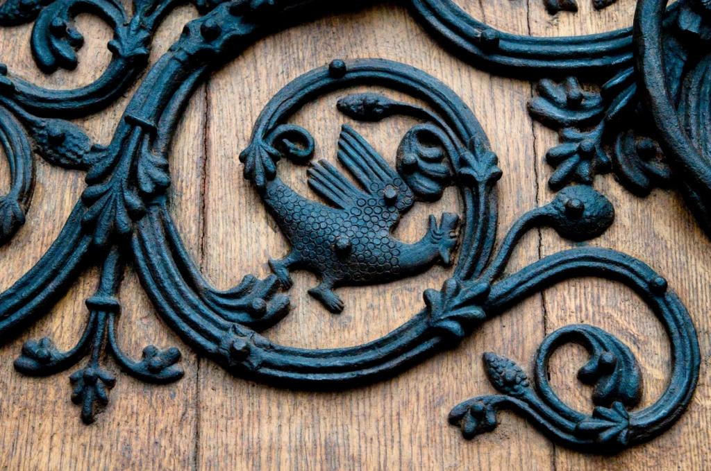 Декор дверей собора. Автор: Tybo. Фото:  www.flickr.com