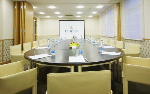 конференц-зал. Фото: www.tulipinnrosakhutor.com
