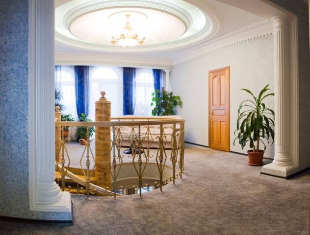 Холл. Фото: www.jemchuzhina.ru
