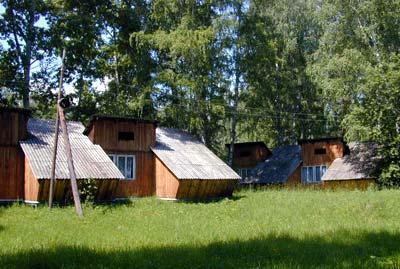 Фигурные домики. Фото: www.altai-yunost.ru