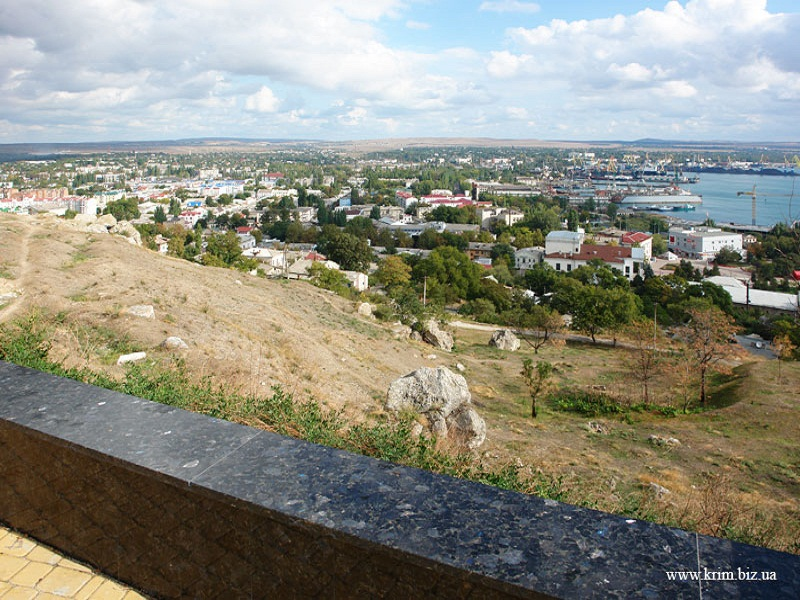 Панорама Керчи Фото:  krim.biz.ua