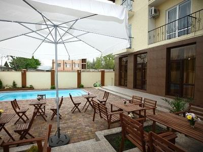 Во внутреннем дворике отеля. Фото: www.onix-hotels.ru