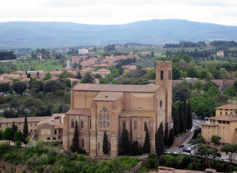 Вид на церковь Святого Доминика, Сиена. Фото:  Тонкости_туризма