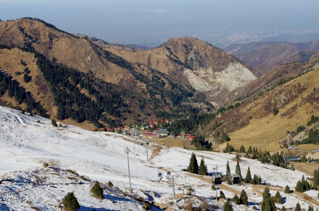 Вид с Чимбулака. Автор:  Фото:  www.flickr.com