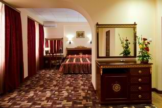 Номер Люкс. Фото: www.avrora-hotel.ru