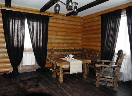 Гостиная комната в Люксе «Царский». Фото: 39carstvo.com