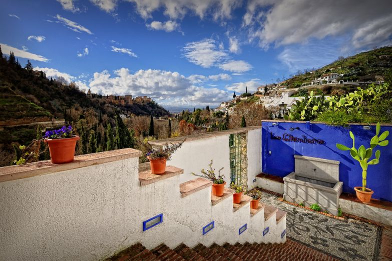 Сакромонте. Фото с сайта  www.arrivo.ru