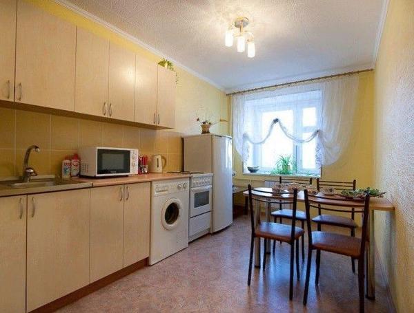 Кухня в 1-комнатной квартире. Фото: kvartiravtomske.ru