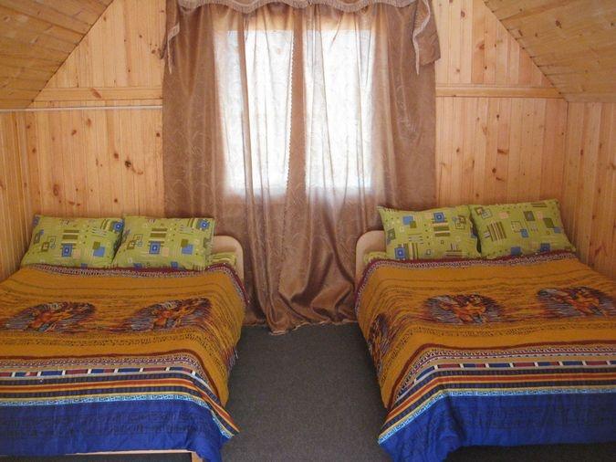 В четырехместном домике. Фото: www.td-lesnoy.ru