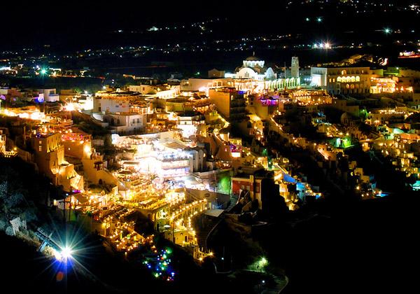Ночной город. Фото:  ProTraveler