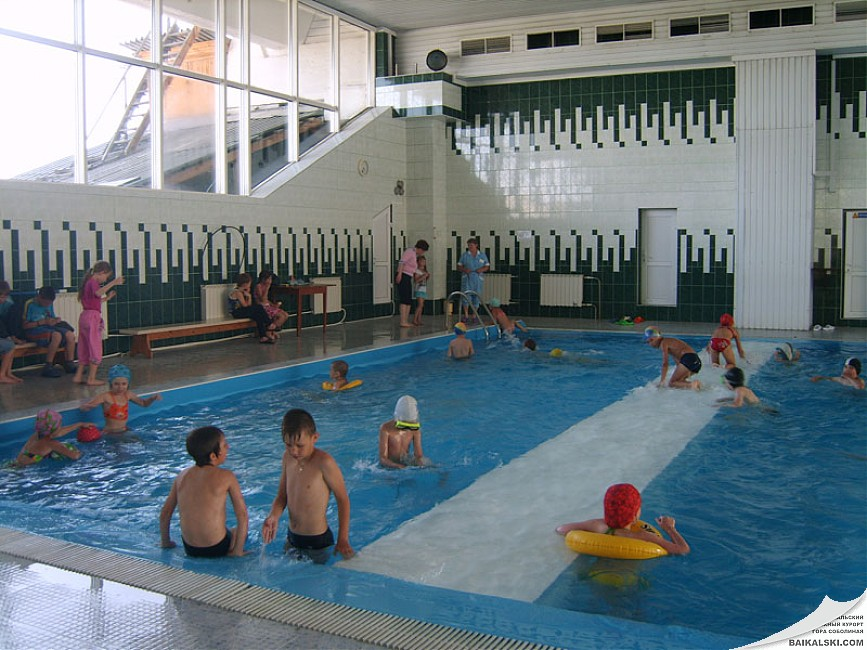 В бассейне   www.baikalski.com