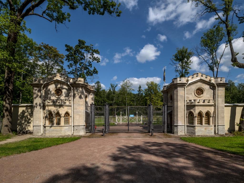 Красносельские ворота. Автор: Florstein. Фото:   wikimedia.org   Автор: Фото:  www.flickr.com