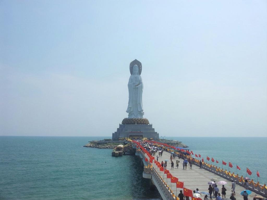 Статуя богини Гуаньинь.  Автор: Алексей Гац
