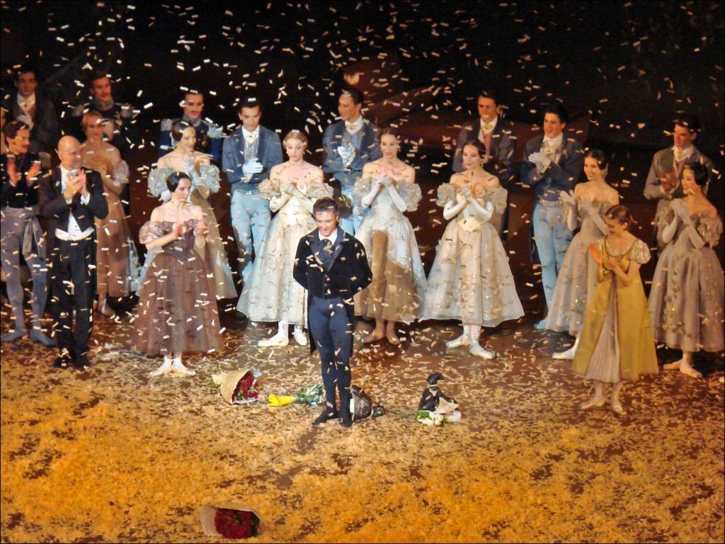 Сцена Гранд Оперы. Автор: Jean-Pierre Dalbera. Фото:  www.flickr.com
