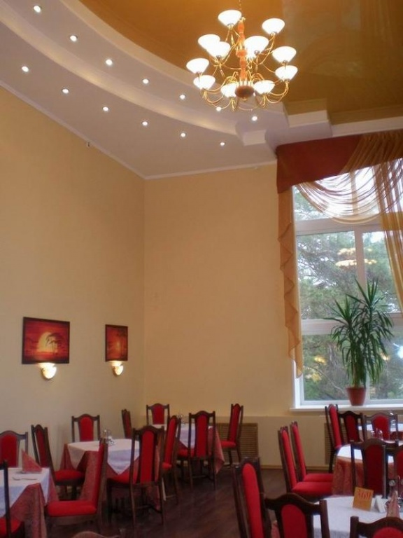 Зал для шведского стола   www.lesnaya-skazka.ru