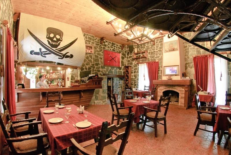 Каминный зал в ресторане. Фото: www.peski13.ru